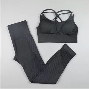 WORK OUT SET:PANTS+TOP, M, NWOT
